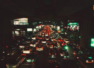 Dlaczego warto zamawiać taxi przez apklikację?